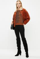 ONLY - Isla o-neck jersey - rust & black