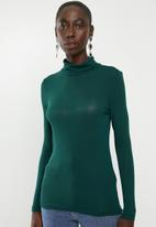 Vero Moda - Carla long sleeve high neck top - green