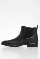 Steve Madden - Affinity Chelsea boot - black