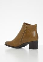 Butterfly Feet - Harlow 3 boot - brown
