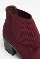 Butterfly Feet - Esther boot - burgundy
