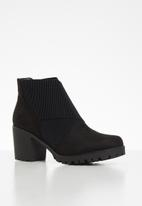 Butterfly Feet - Esther boot - black