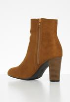 Butterfly Feet - Mocca boot - camel