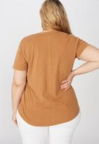 Cotton On - Curve the one scoop tee - brown