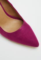 Madison® - Hannah court heel - berry