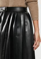 VELVET - Pleated mini skirt - black