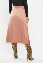 VELVET - Satin pleated midi skirt - dusty coral