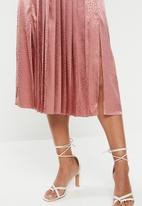 VELVET - Pleated midi skirt - rose shadow