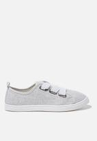 Cotton On - Penelope lace up plimsoll - soft grey texture