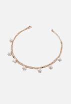 Rubi - Dainty pearl chain anklet - gold