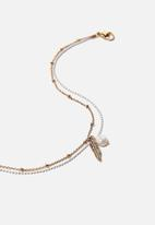 Rubi - Leaf and pearl beaded anklet - white & gold