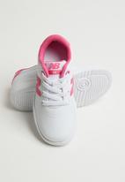 New Balance  - Lifestyle wide 1 - pink & white