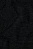 Superbalist - Textured raglan knit - black