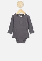 Cotton On - Long sleeve button bubbysuit - grey