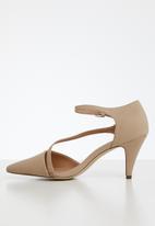 Call It Spring - Emelya heel - beige