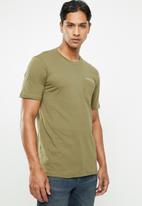 Cotton On - Tbar text short sleeve tee - khaki green