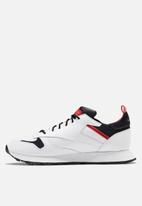 Reebok Classic - Classic Leather ree:dux - white/black/radiant red
