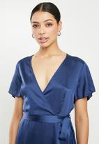 Missguided - High low wrap midi dress short sleeve ruffle - navy