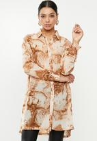 Missguided - Smoke print oversized shirt - orange & brown