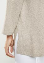 edit - Long sleeve v-neck top - neutral