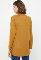 edit - Long sleeve v-neck top - yellow