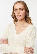Vero Moda - Bandile long sleeve v-neck - neutral