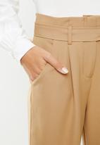 edit - Belted paperbag pants - stone