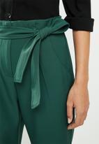 edit - Belted paperbag pants - Teal