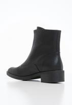 Miss Black - Cyna boot - black
