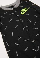 Nike - Nike boys just do it toss foot coverall/hat - black