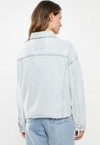 Cotton On - Oversized denim jacket - faded blue