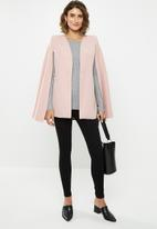 edit - Structured cape - pink