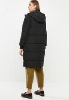 Jacqueline de Yong - Noble extra long padded jacket - black