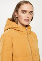 Jacqueline de Yong - Noble extra long padded jacket - yellow