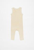 Cotton On - The sleeveless long leg rib romper - neutral & yellow