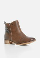 Miss Black - Clovis boot - brown