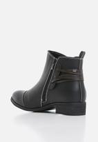 Miss Black - Clovis boot - black