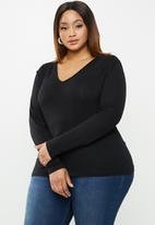 edit Plus - Fitted V-neck top - black