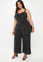 Glamorous - Plus messy spot spaghetti strap jumpsuit - black & white