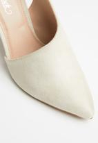 Miss Black - Alistair heel - neutral