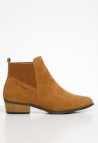Butterfly Feet - Talia boot - tan