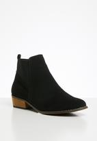 Butterfly Feet - Talia boot - black