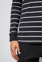 Superbalist - Stripe crew neck tee - black & white