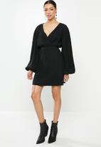 Glamorous - Plisse wrap dress with volume sleeve - black