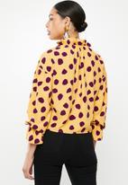 Glamorous - Purple spot blouse - yellow & purple