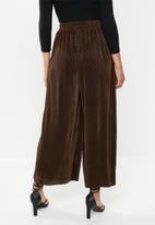 Glamorous - Plisse wide leg trouser - dark brown