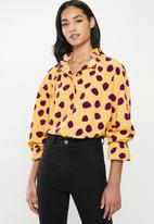 Glamorous - Petite spot blouse - yellow & purple