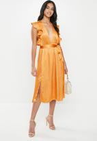 Glamorous - Petite crinkle satin ruffle dress - orange