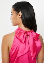 Glamorous - Petite halter sateen top - pink