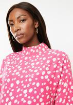 Glamorous - Maternity spot leopard tunic - pink & white